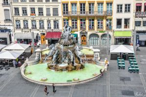 Fountain in Lyon by Rikitza