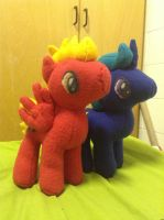 Short Circuit and Gold Star plushies by Death-of-all
