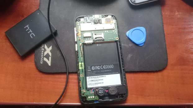 HTC Desire 310 teardown/disassembly by Howlate
