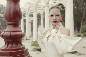 White_2 by Lynkness