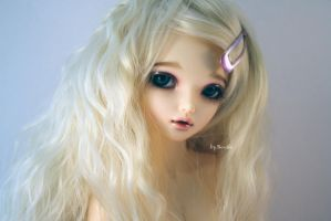 Beautiful and innocence like a Lilli by Gaaraa-faaan