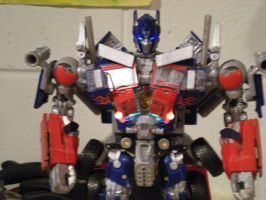 light up optimus prime by future-trunks