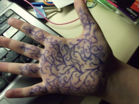hand doodling by liealatoto