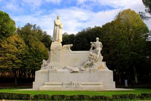 Monument to Francesco Petrarca by frei76