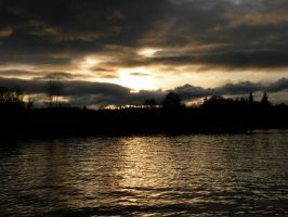 Sunset On the Willamette River by bluemouse2