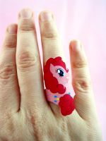Pinky Pie ring by otterling