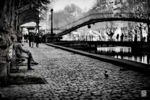 Waiting along the Canal Saint-Martin by sylvaincollet