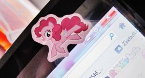 my little pony laptop layout 2 by nanaphotos