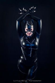 Catwoman - Tails' Cosplay 01 by static-sidhe