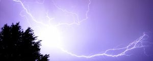 Tree to Cloud Lightning by BillyRadd