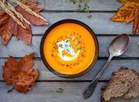 Hot pumpkin soup with blue cheese. by MirageGourmand