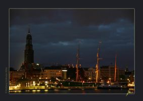 Hamburg Harbour at Night by W0LLE