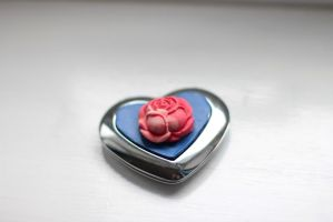 Alistairs Rose Heart Shaped Compact by Asukauk