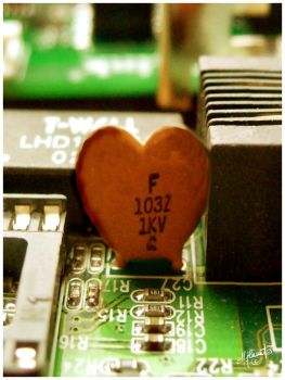 Electronical heart by Whisperingleaf