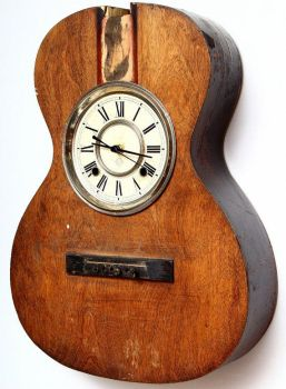 Acoustic guitar clock by areshe