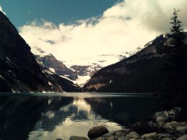 Lake Louise by TheLewneybin