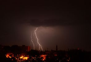 Lightning... by Ichmia