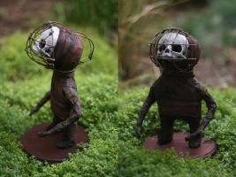 'Cage head' - Midget sculpture by torvenius