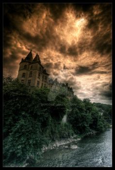 Hill castle by zardo