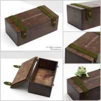 Wooden doll box by scargeear
