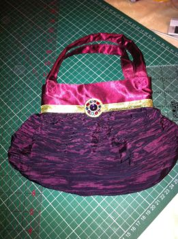 Handbag for all occasions - Evening Mode by kaylalowes