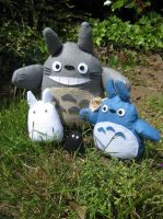 Totoro Family by SWD-Tigercat