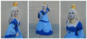 Ice Queen Cosplay by penguinluv4ever