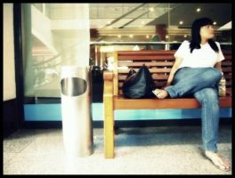 Waiting and tired by Olivares