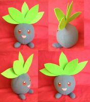Selfmade Oddish plush :3 by kovuification