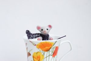 Mouse in cup by freedragonfly