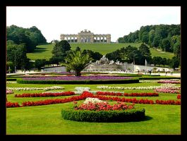 Garden Of Schonbrunn Palace by skarzynscy