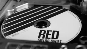 Red - Taylor Swift by Loony26