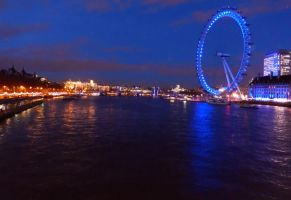The London Eye at Night by flarglesnargle