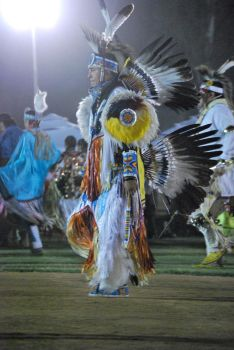 pow wow 2010 older dancer by mrsskellington13