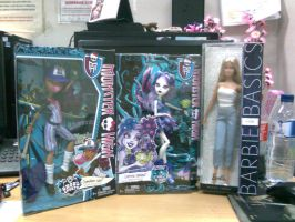 Monster High doll and Barbie Basic no. 11 by seawaterwitch
