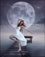 Dancing in the Moonlight by SuzieKatz
