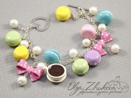 Bracelet with macaroon by polyflowers