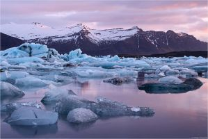 Glacier lagoon morning by Aphantopus