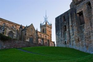 Linlithgow Crown by FlippinPhil