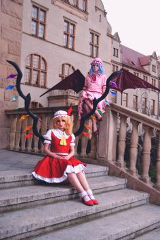 Touhou Project: Flandre and Remilia Scarlet by Marusera-Yumeart
