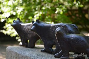 Bear Statue by Himmelsfalter