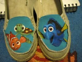 Finding Nemo shoes! by iheartart06