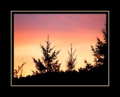 Mountain sunset by PhilipCapet