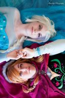 Together Again : Frozen : Elsa and Anna by Lossien