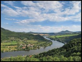River Labe from Dubicky by Pildik