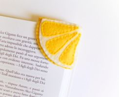 Lemon felt bookmark by Narthys