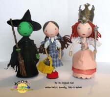 Wizard of Oz peg dolls by tombirrellart