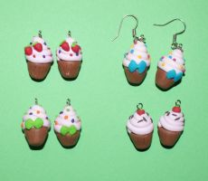 Cupcake earrings :D by Marietjee