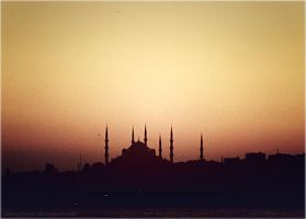Silhouette of Istanbul by imFragrance