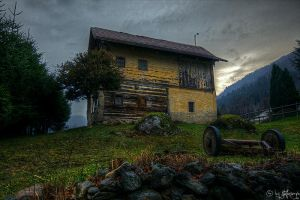 old house by stefansergio